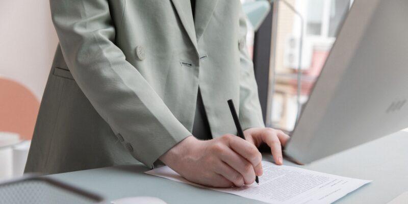contrato mercantil y civil